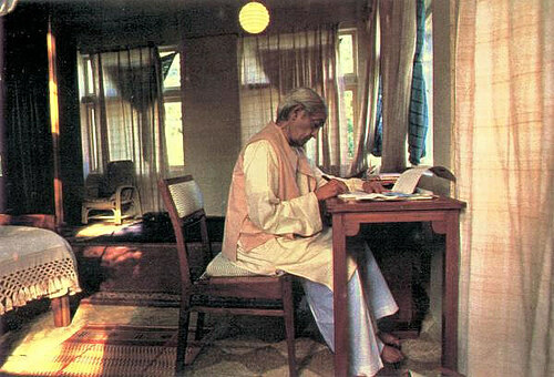 J Krishnamurti at his desk